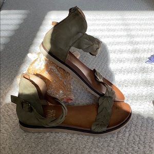 Olive green Sandals size 39 real leather
